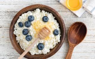 Польза, вред творога с медом и популярные рецепты