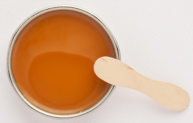 Крем из пчелиного воска в домашних условиях: от варикоза, псориаза, для лица, рук и ног