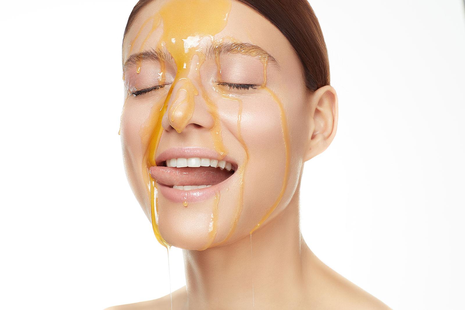 Мед для лица, тела и волос: мед в уходе за волосами и кожей